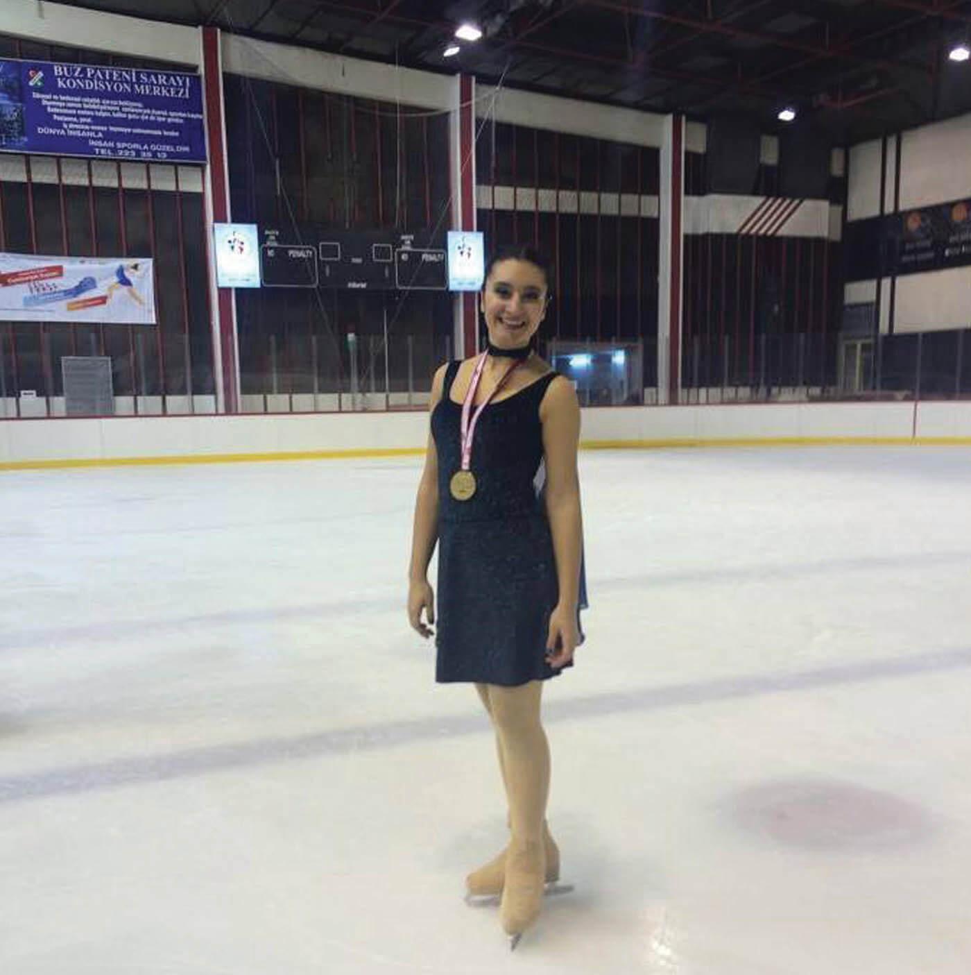 Nilsu Türkiye Buz Pateni Şampiyonu
