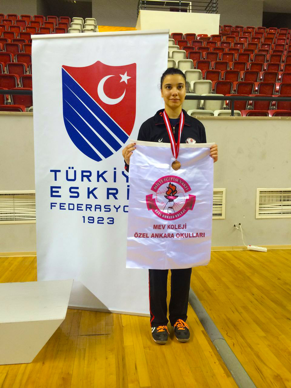 Eskrimin Altın Kızından Türkiye Derecesi
